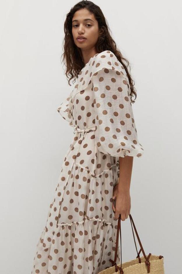 Asimétrico Y Con Lunares Así Es El Favorecedor Vestido Largo De Mango Que Está A Punto De Agotarse Mujer Hoy