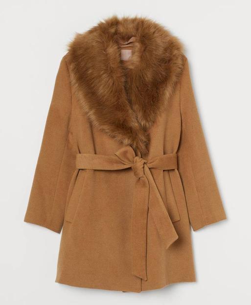 Abric amb coll de cabell|pèl de H&M. 69,99 euros